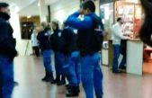 """Fuerte polémica en la Universidad de Lomas: policías """"custodiaron"""" unas elecciones estudiantiles"""