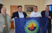 Berisso / Nedela otorgó un subsidio al deportista Spivak, quién participará del Mundial de Juegos para personas Transplantadas