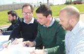 Carlos Casares / Textil Casares y Alcer se suman al parque industrial para potenciar su producción