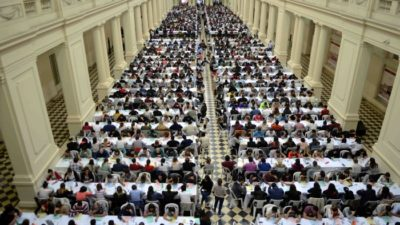 Miles de médicos de la provincia rindieron el examen para ser residentes