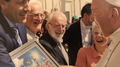"""Julio Garro se reunió con el Papa: """"debemos involucrar a los niños en la consigna de la paz mundial"""""""