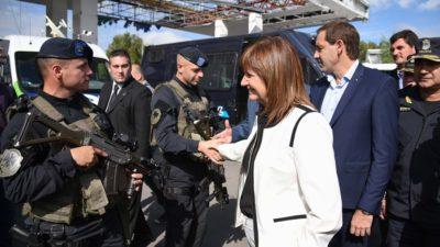 """La Plata / Bullrich, Garro y Ritondo mostraron el """"operativo saturación"""" en el barrio """"El Mercadito"""""""