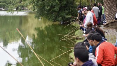 Con gran concurrencia juvenil, se llevó a cabo la jornada de pesca integradora en La Plata
