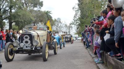 La Plata / Grandes festejos con música y desfiles en Villa Elisa por su 130º aniversario
