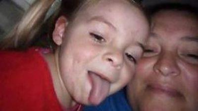 """Junín / Grave denuncia de la madre de la nena fallecida en el HIGA """"Mi hija estaba sana, entró caminando la llevé con fiebre"""""""