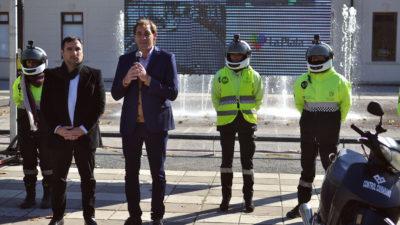 La Plata / Garro presentó los nuevos agentes de tránsito con cámara en sus cascos